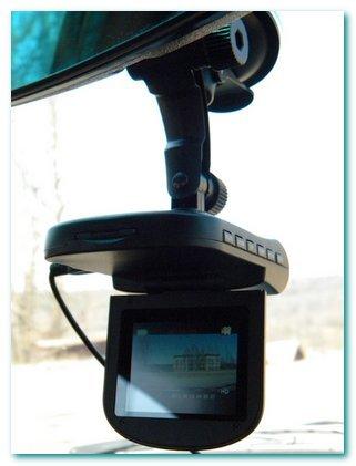 Автомобильный видеорегистратор — роскошь или необходимость?